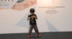 6-Year-Old Kid on His Amazing Yo-Yo Tricks!