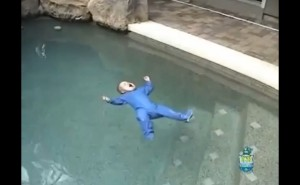 Smart Baby Accidentally Falls in Swimming Pool! See Your Reaction to What His Dad Does