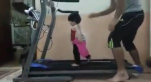 Treadmill is Fun for Kids, Only Dads Can Do This to Their Babies!