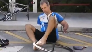 If You Think Your Job is Hard, Watch this No-Hands, One-arm Guy Vulcanize His Bike Tire
