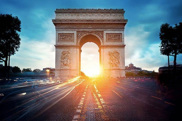 The-Arch-De-Triomphem-1