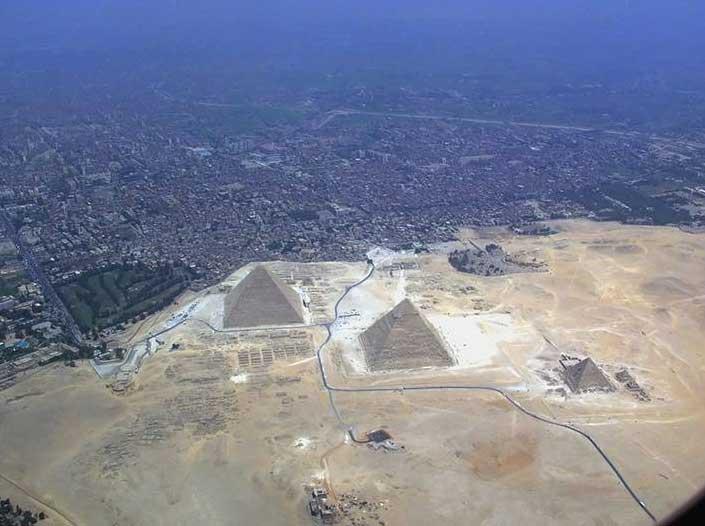 The-Pyramid-of-Giza-2