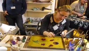 """How Anyone can Do """"Hand Painting"""" the Easy Way!"""