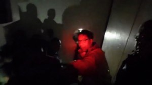 Rare Video Footage of Mar Roxas Leading Hotel Guests to Safety During Yolanda